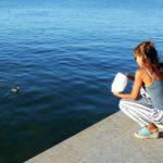 In compagnia sul lago
